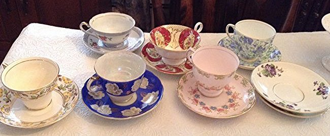 6 Tea cups and saucers