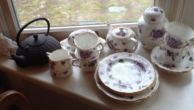 English China tea set and cast iron tea pot