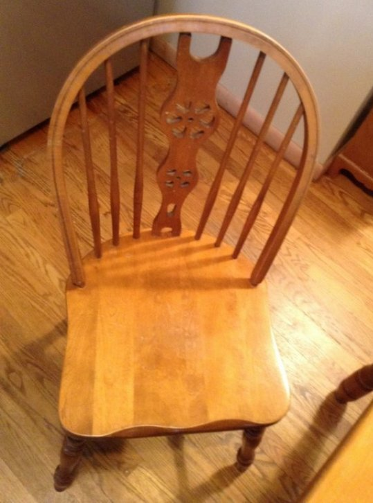 Kitchen Table with 4 chairs - 2
