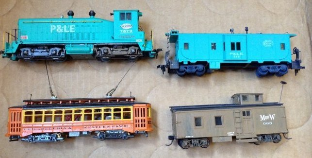 Vintage HO Train engines and more