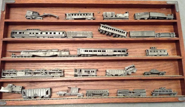 Franklin Mint  Pewter Trains with display case