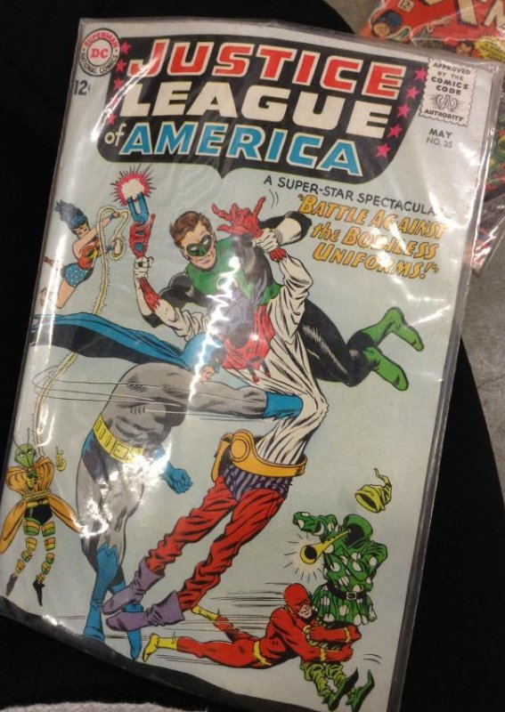 DC Comic Justice League of America, Very Good