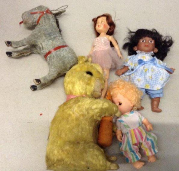 Vintage Dolls & Animals Rabbit is wind up