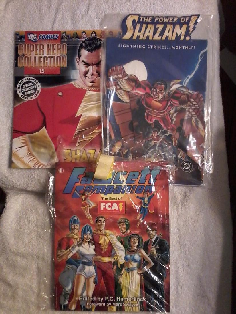 Shazam - Superhero Collection #15 Book - Book Holder -