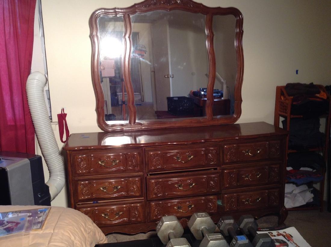 9 Drawer dresser w/ mirror 66 x 31 x 18