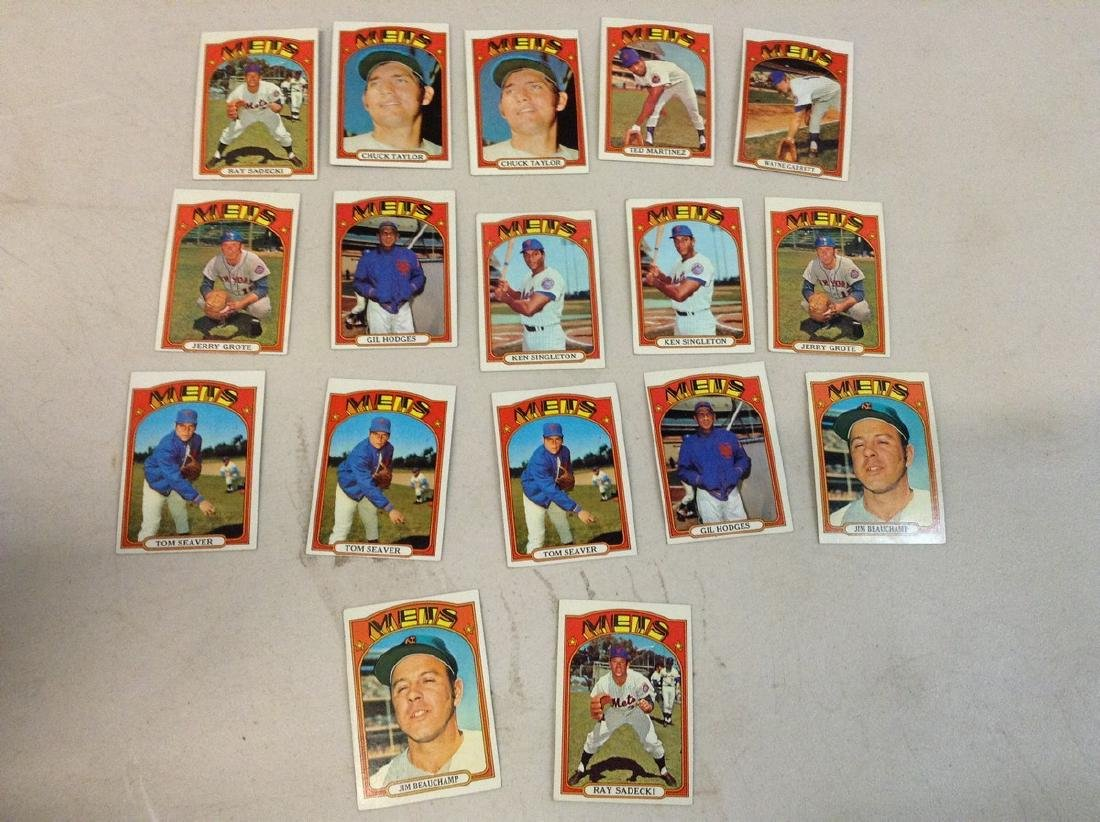 Lot of Baseball Cards - 1972