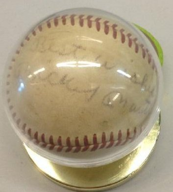 Mickey Mantl Signed Baseball
