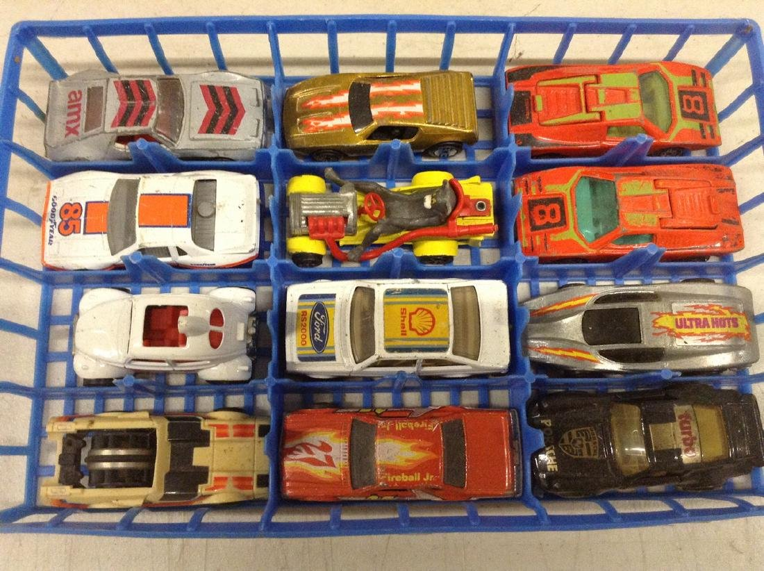 Lot of matchbox and other diecast cars with the tray