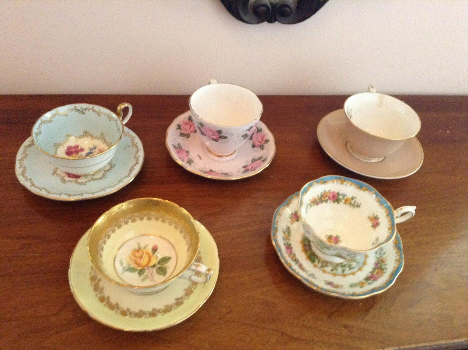 lot of 5 vintage tea cups and saucers Colclough,