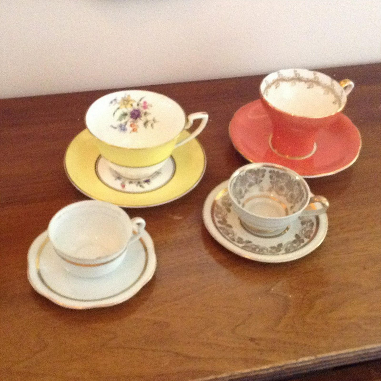 lot of 4 vintage tea cups and saucers Royal Worcester,