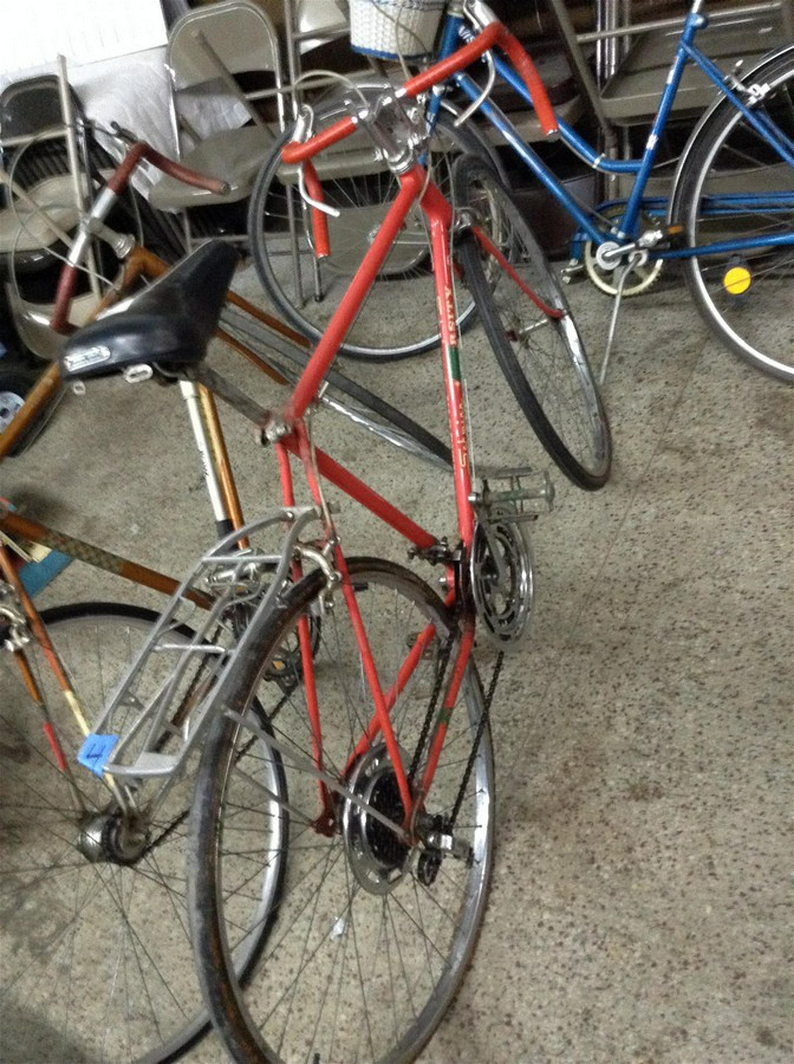 1970 Schwinn English Racer with luggarge rack & extras
