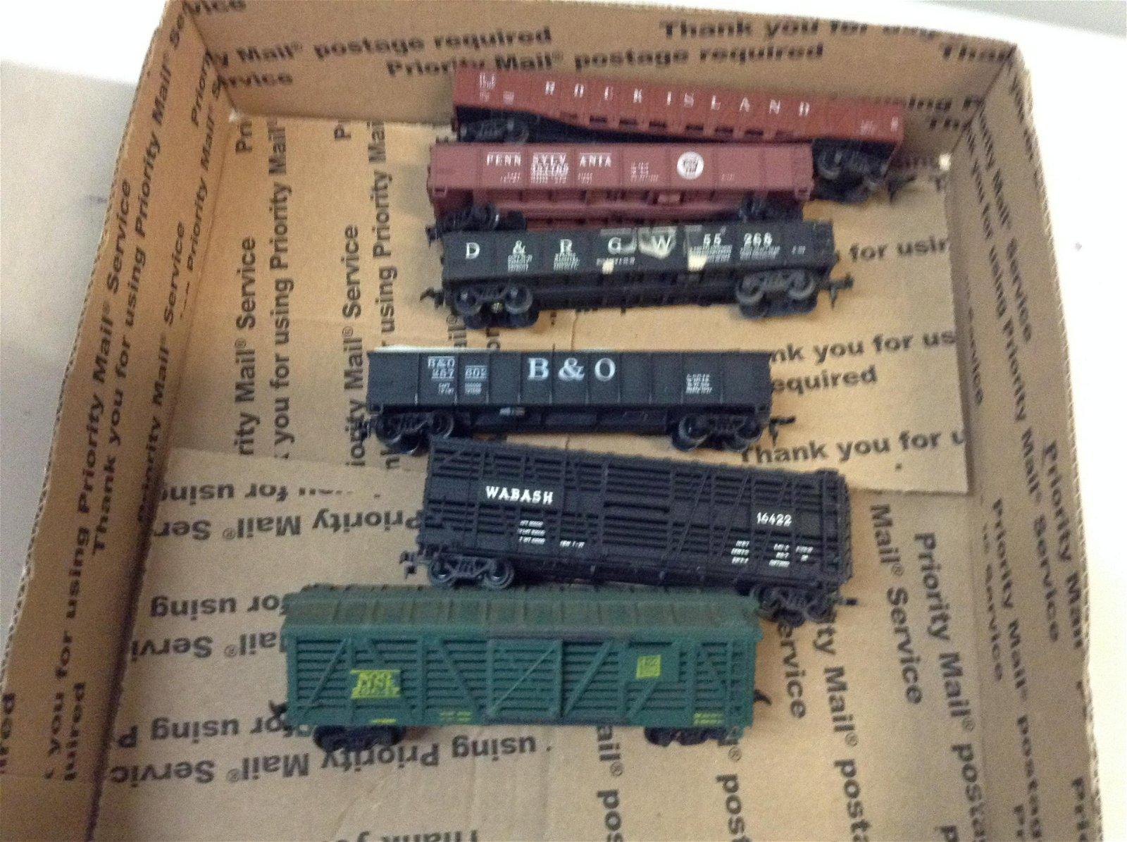 lot of HO train cars