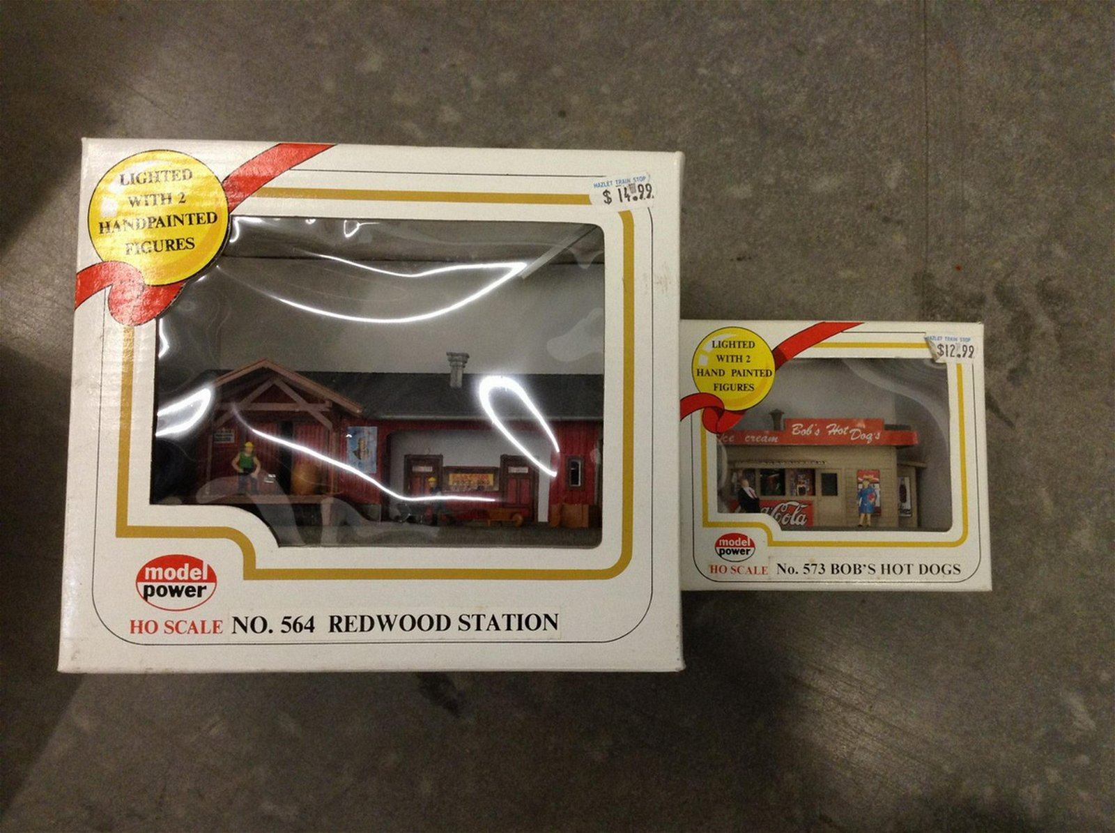 lot of two Model power HO scale train accessories new i