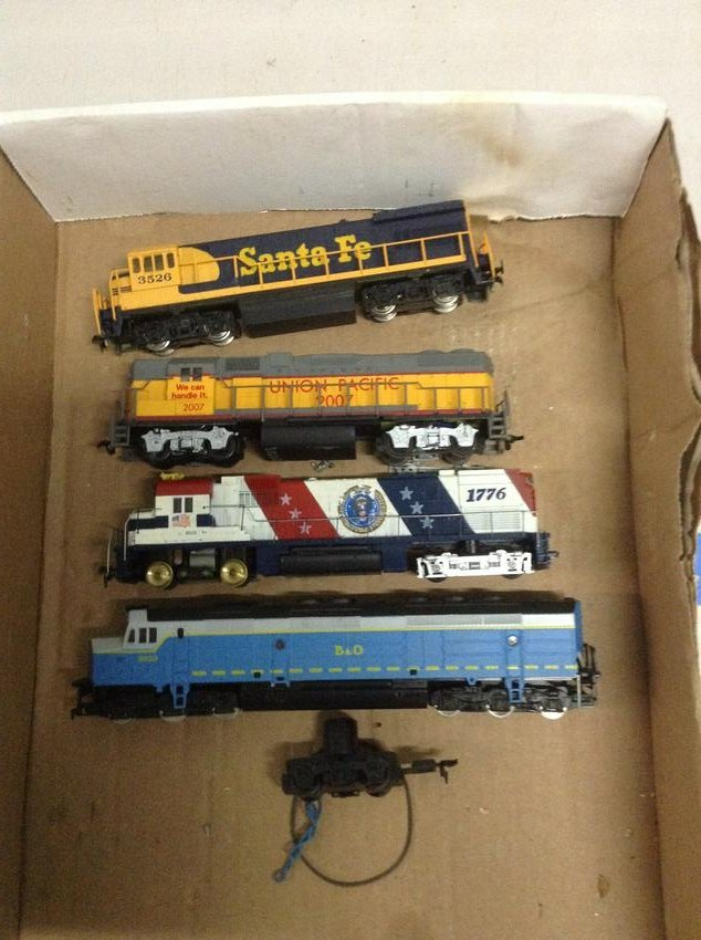 lot of ho train engines