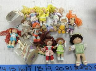 lot of miniature cabbage patch dolls