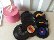 Vintage record holder and large amount of 45s
