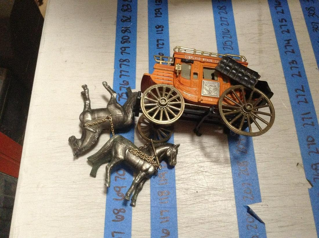 """metal and plastic stagecoach 8"""" long"""