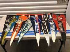 Large lot of NFL pennants (Y)