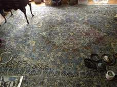 10 ft x 10 ft wool area rug great condition