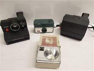 Lot of vintage cameras - polaroid's and Kodaks