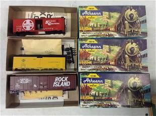Lot of HO Train Cars and Models