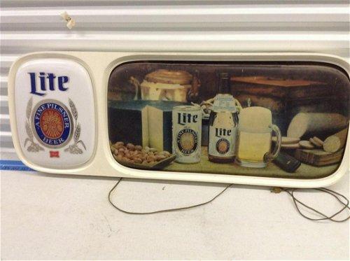 Beer Signs & Advertising