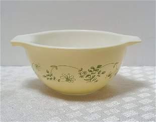 Vintage Pyrex 750ml Bowl