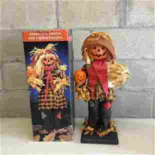 """Animated Scarecrow witgh Lighted Pumpkin 22.5"""" tall"""