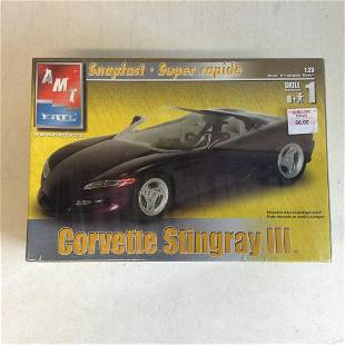 Corvette Stingray III Model Kit