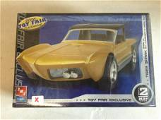 Sealed Exclusive 2006 Toy Fair Tiger Shark - Based on