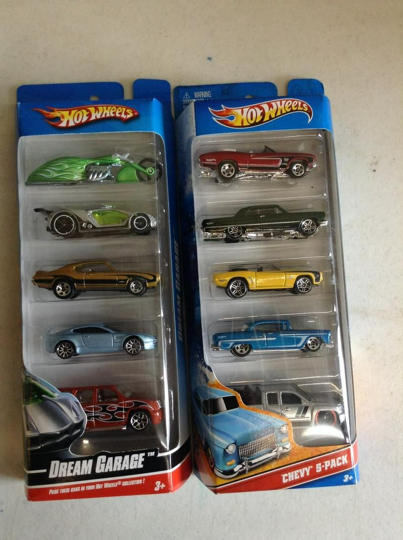 Hot Wheels Chevy 5-Pack and Dream Garage