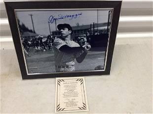 Dimaggio signed photo 8x10 framed w/ COA