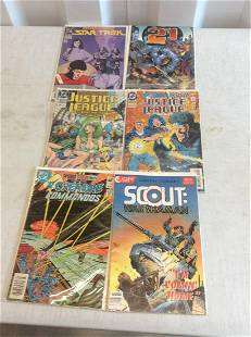 lot of comics justice league, the defenders and more