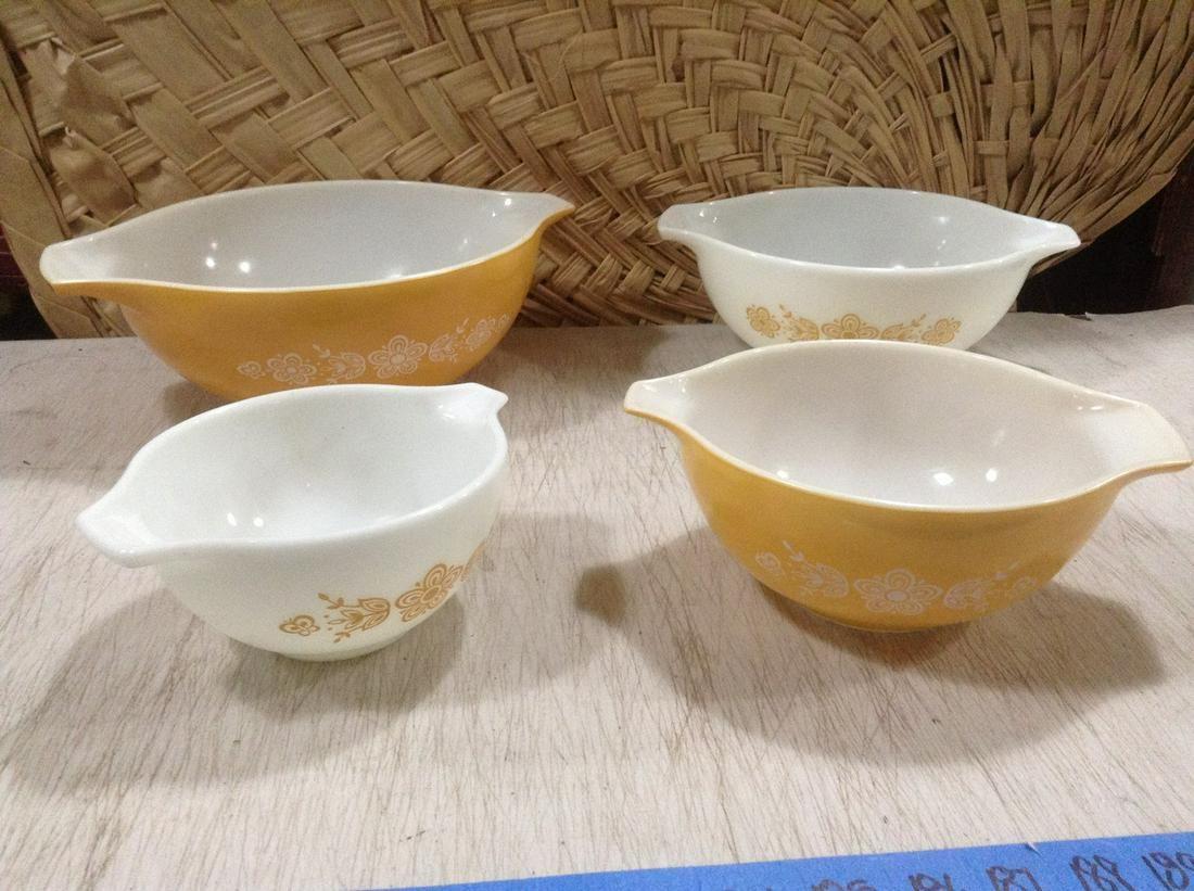 Vintage Pyrex Nesting Bowls Largest 4Qt