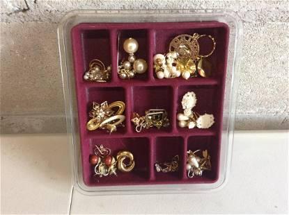 Lot of costume jewelry