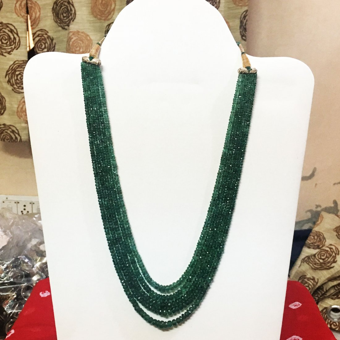 Precious Emerald faceted Beads Necklace 300 Carat