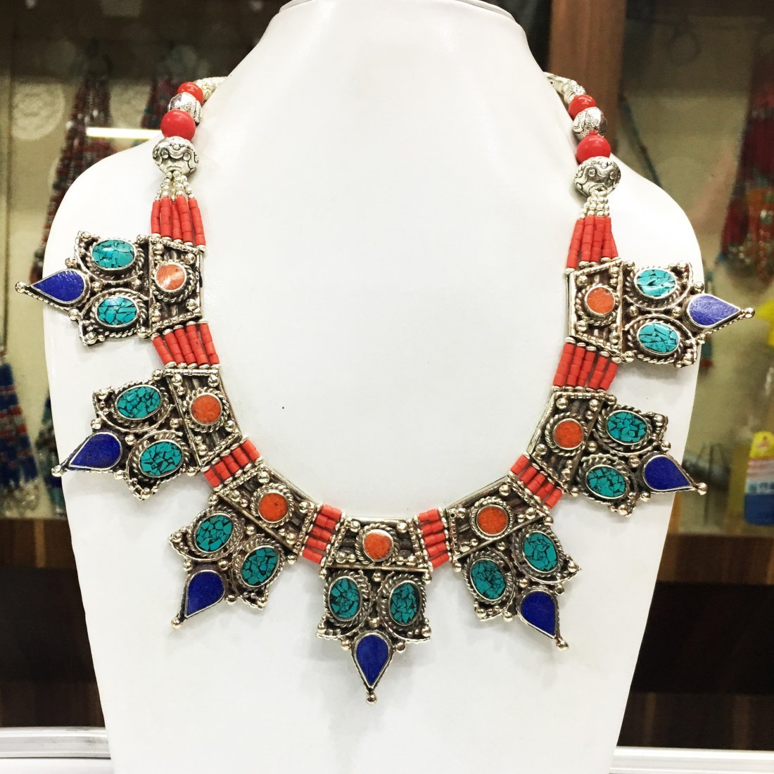 Turquoise & Coral resin vintage Necklace