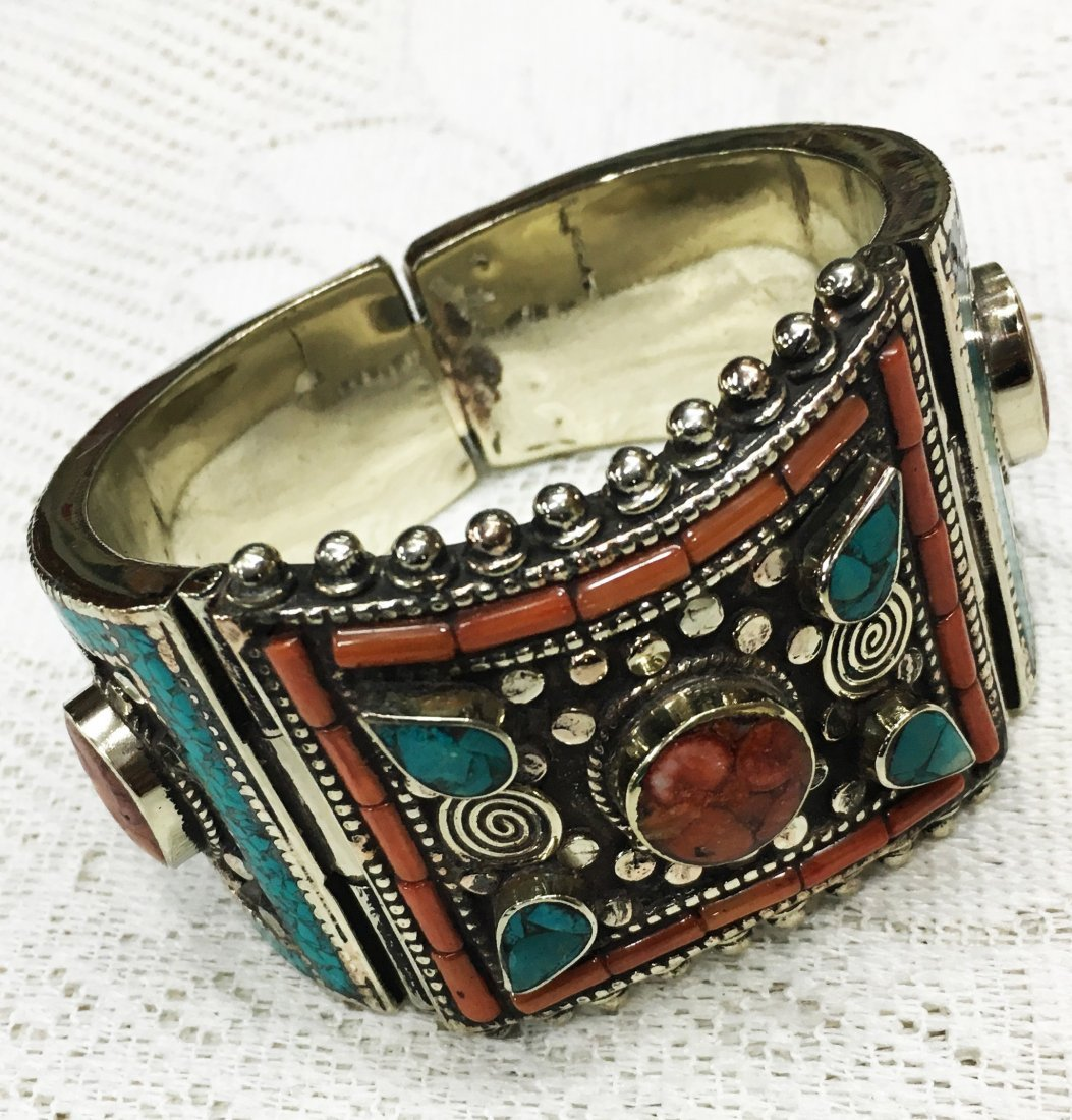 Royal & Vintage Tibetan Handmade Bangle