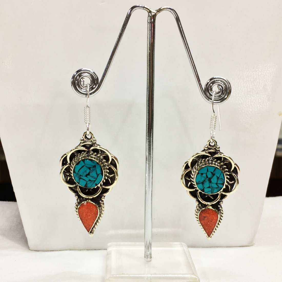 Turquoise & Coral resin vintage Earring