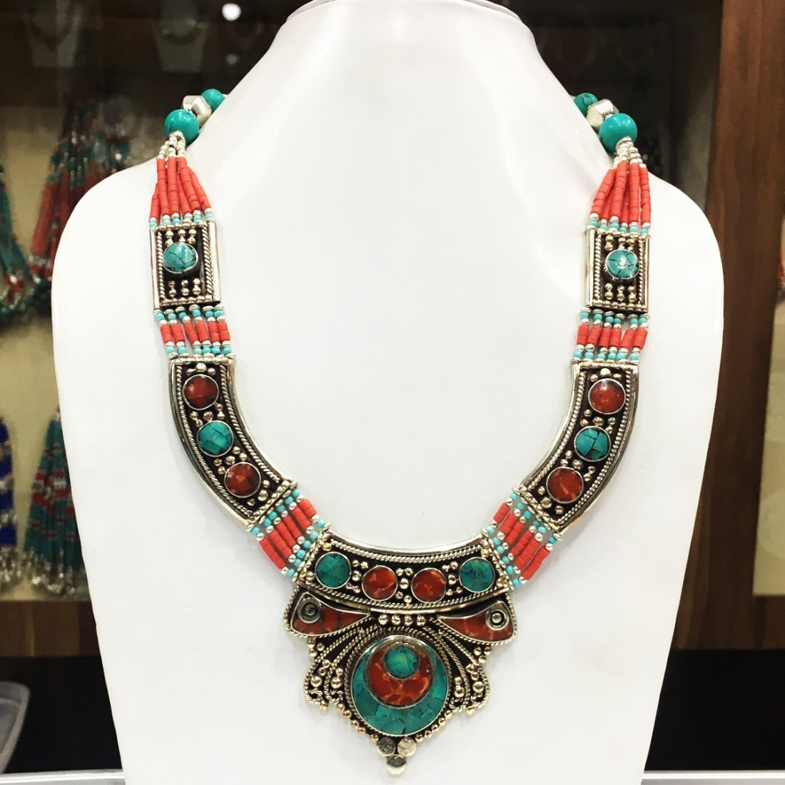 New Arrival - Beautiful Turquoise & coral Necklace
