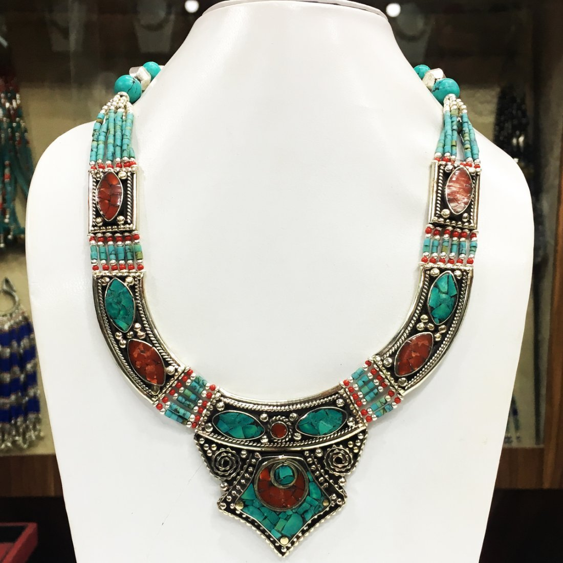 Antique Traditional Vintage Choker Necklace