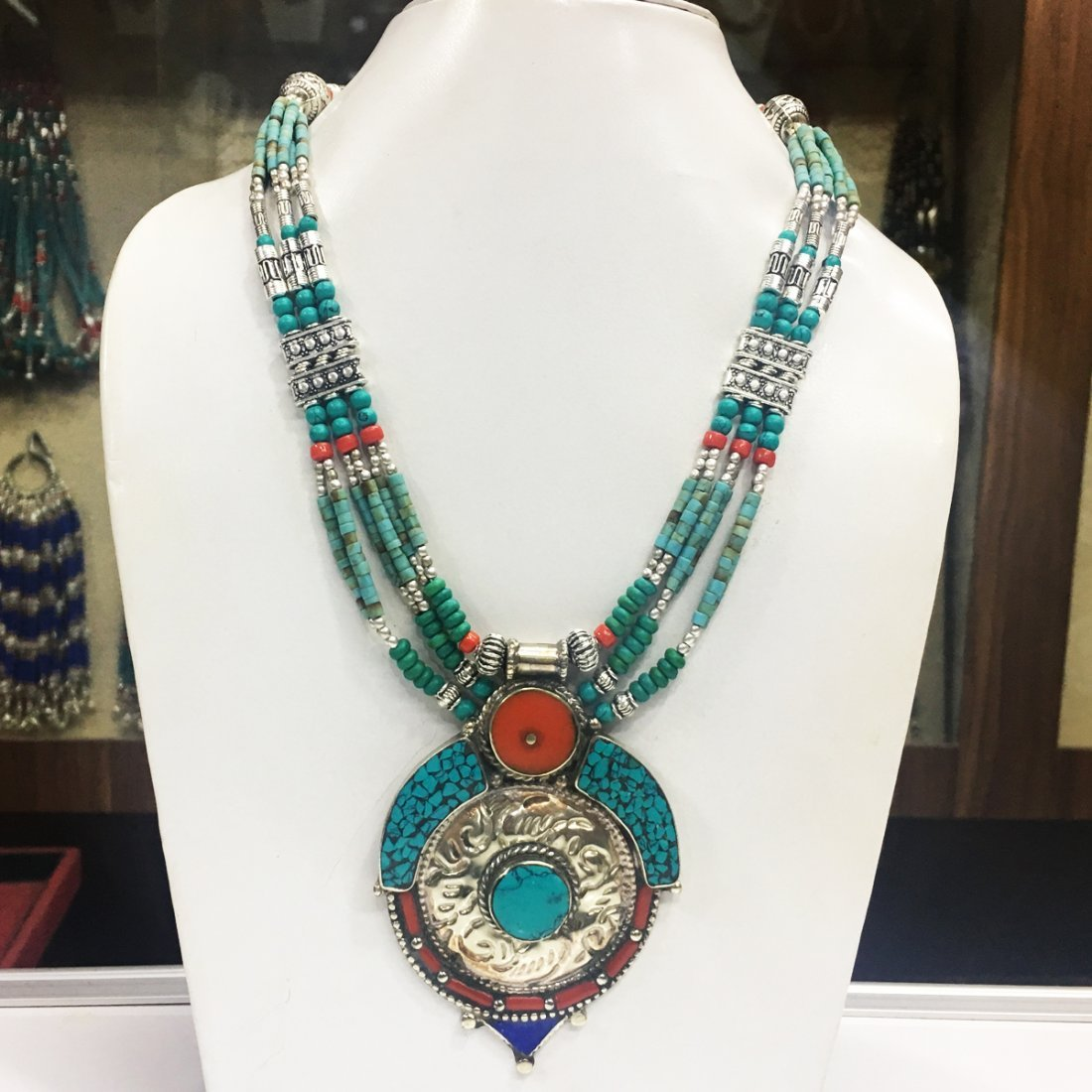 New Arrival - Beautiful Lapis & coral Necklace