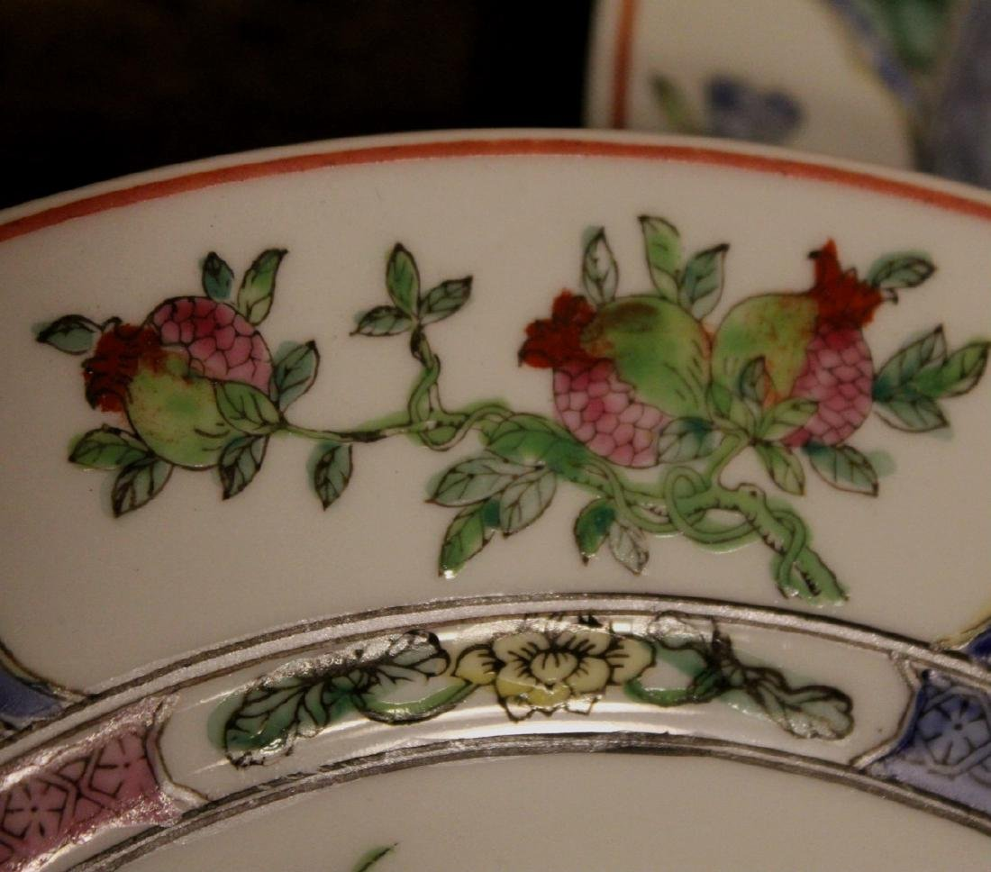 chinese pair of porcelain dishes - 5