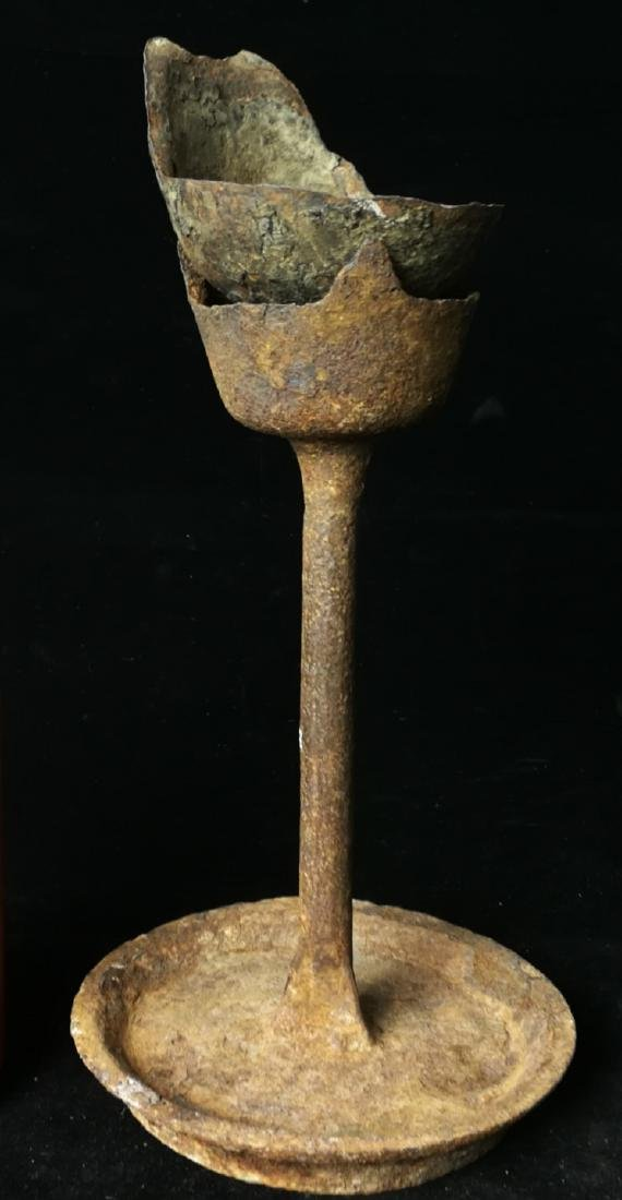 chinese iron cast oil lamp