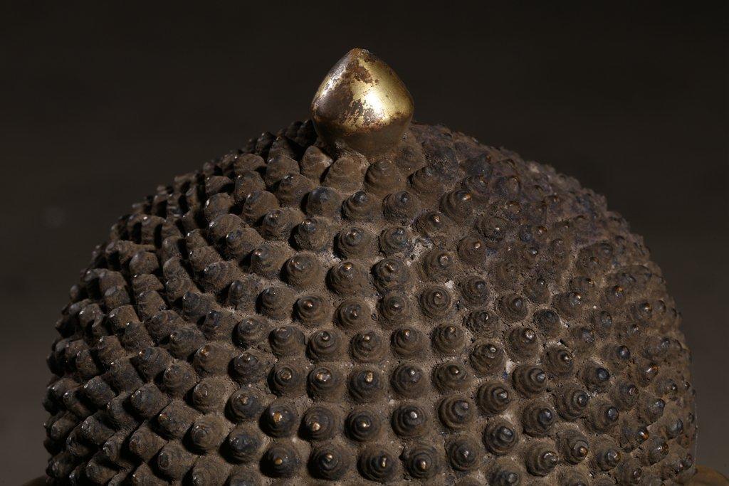 Large Chinese Gilt Qing  Bronze Seated Shakyamuni - 3