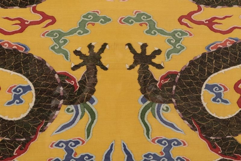 Chinese silk kesi dragon motif on yellow ground - 10