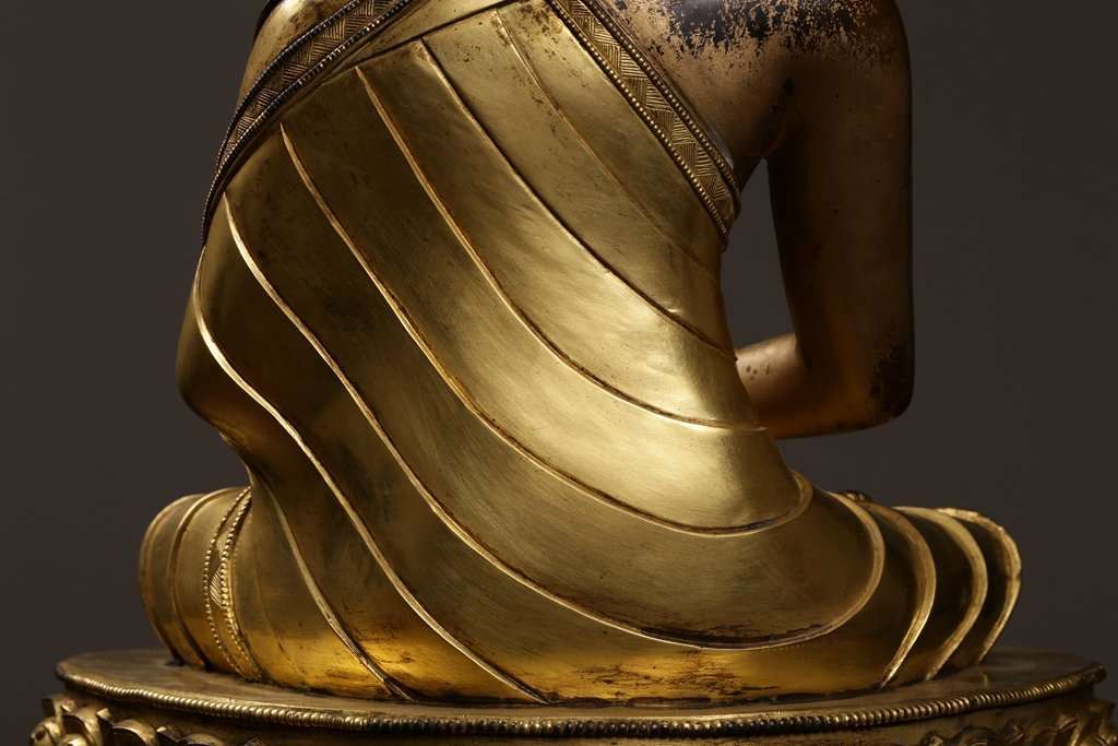 Chinese Qing Dynasty Gilt  Bronze Buddha Figure - 8