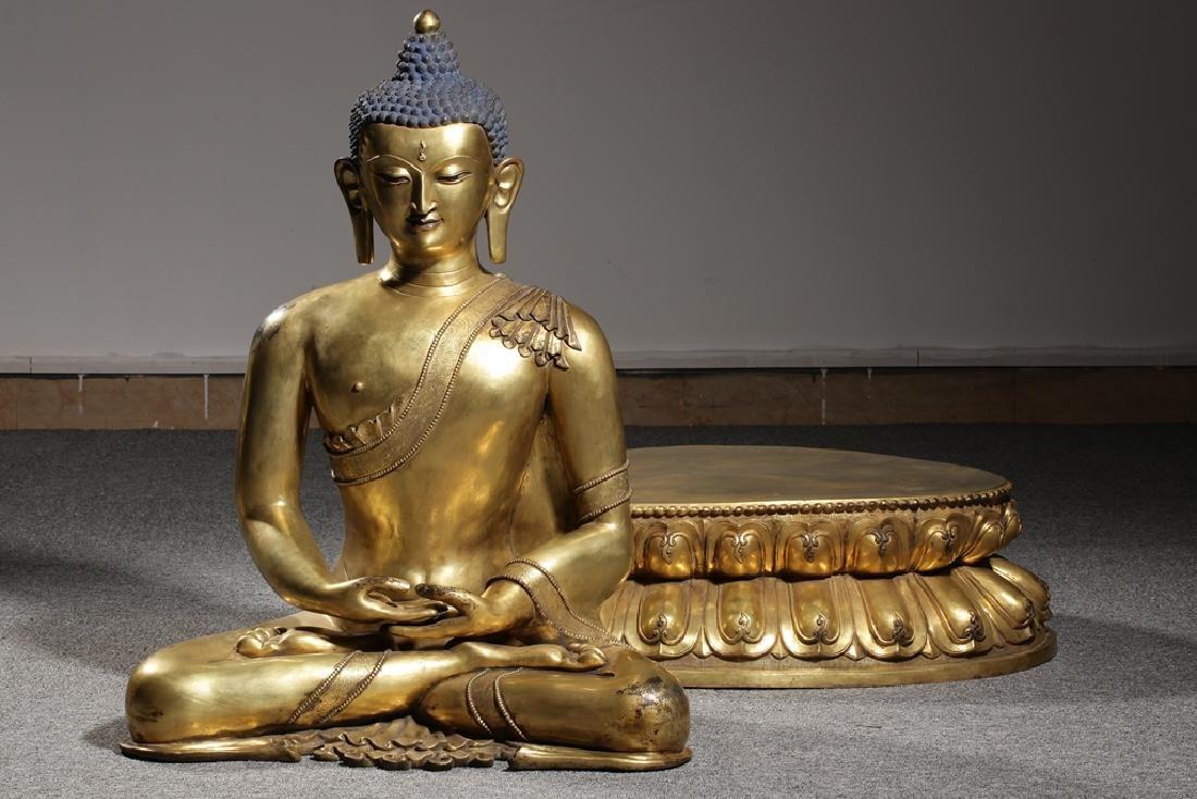 Large Chinese Qing Dynasty Gilt Bronze Buddha - 10