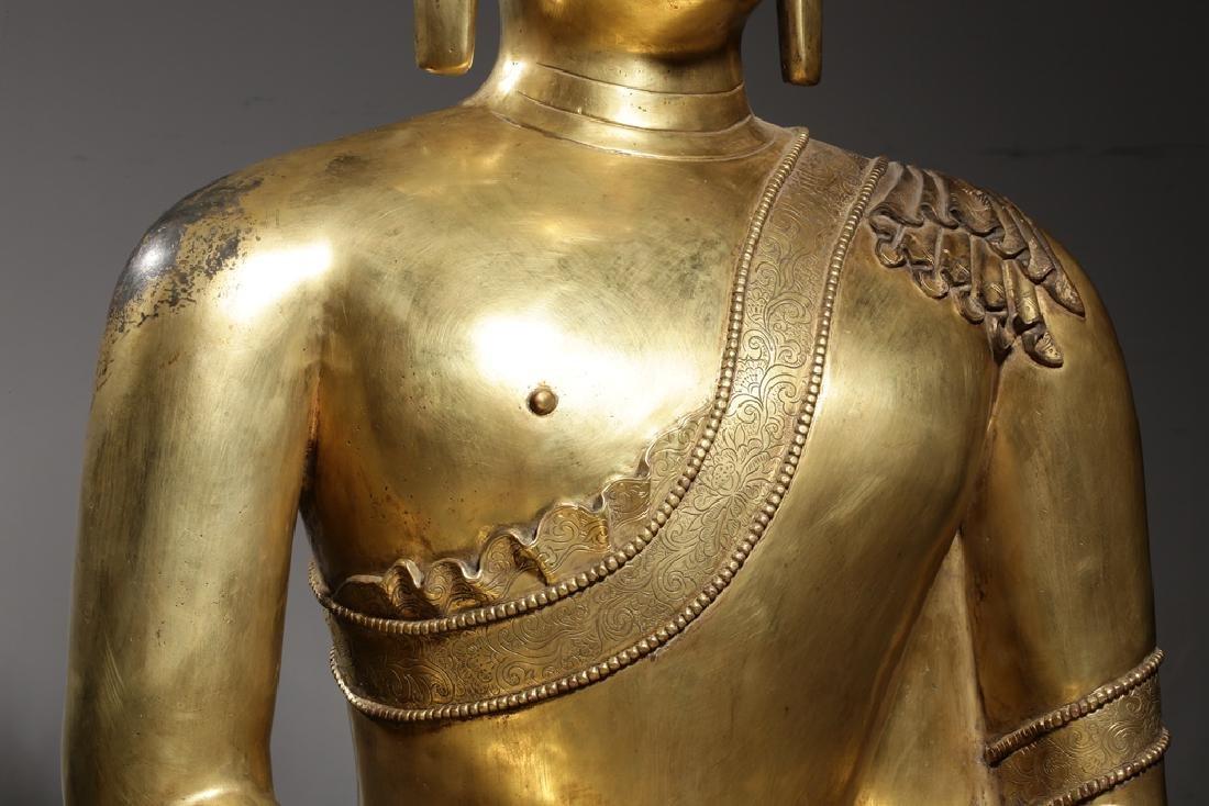 Large Chinese Qing Dynasty Gilt Bronze Buddha - 4
