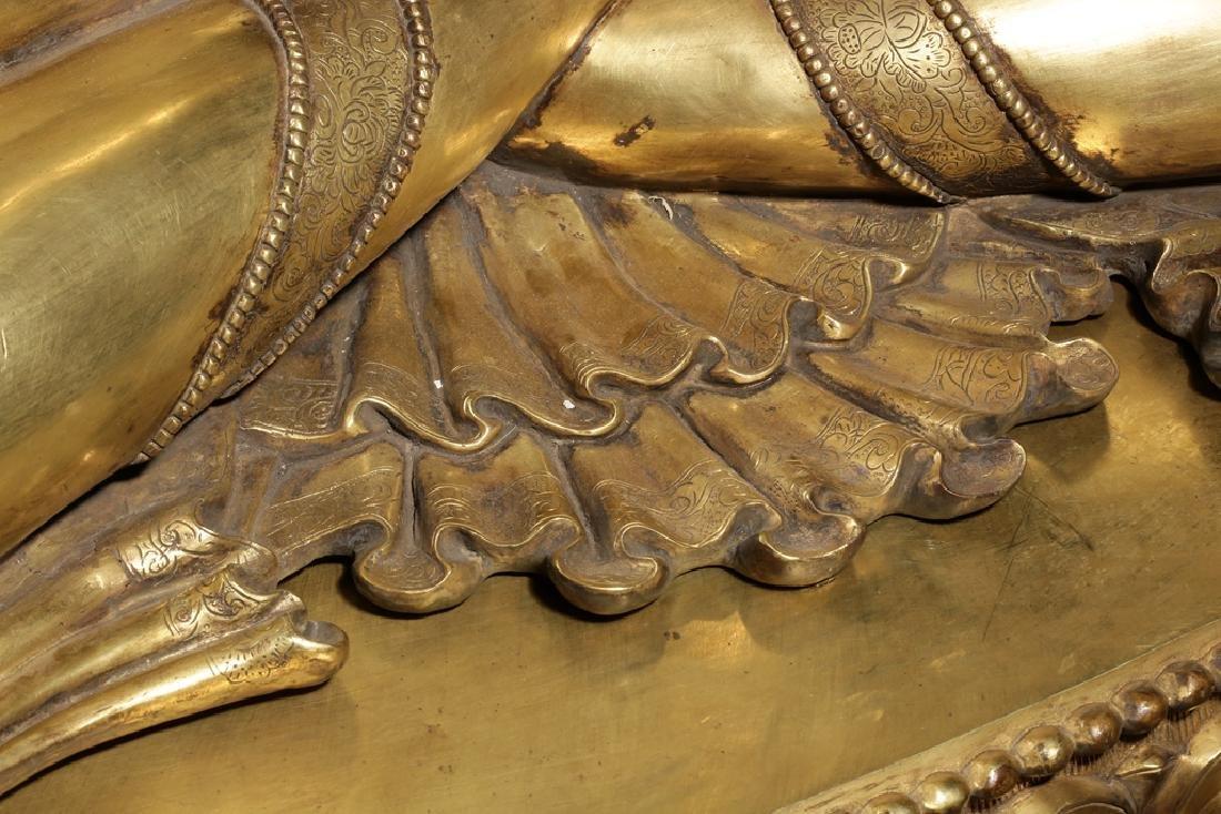 Large Chinese Qing Dynasty Gilt Bronze Buddha - 5